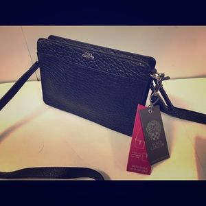NWT Vince Camuto 2-in-1 cross body purse/clutch